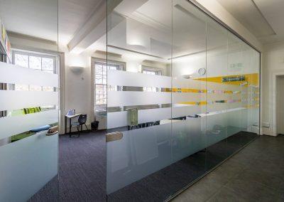 BrookhouseUK Education Furniture - Eaton Square Classroom - Glass partition